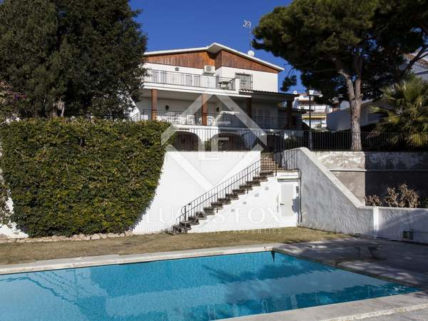 5-bedroom detached house on large plot for sale, Vallpineda