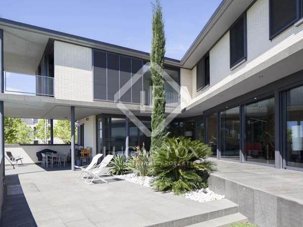 758m² House / Villa for sale in Sant Cugat, Barcelona