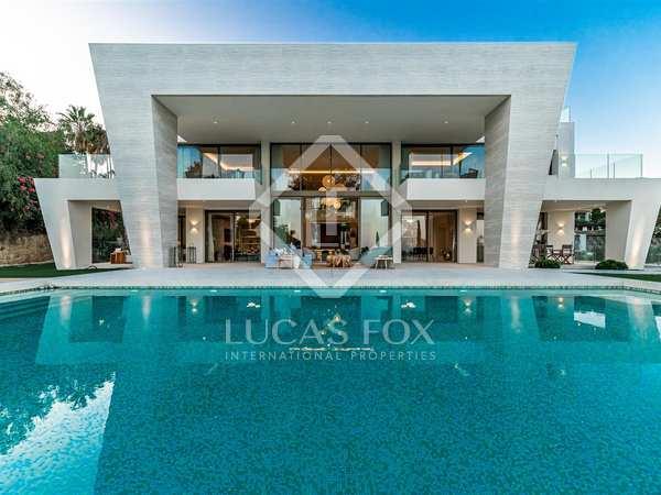 Huis / Villa van 1,072m² te koop in Sierra Blanca / Nagüeles