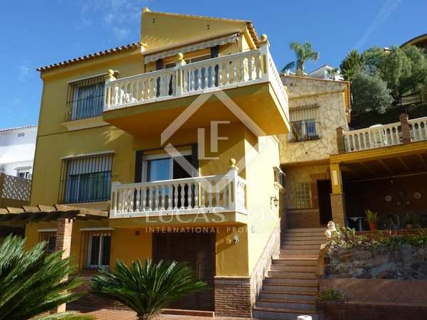 Huis / Villa van 260m² te koop in East Málaga, Malaga