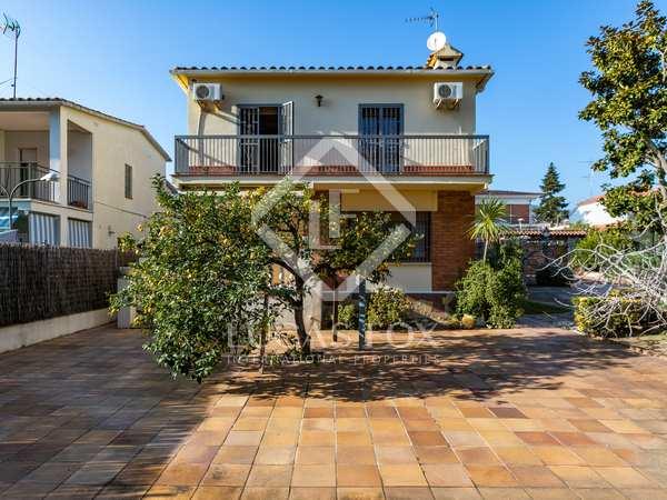 Casa / Villa di 124m² in vendita a Premià de Dalt, Maresme