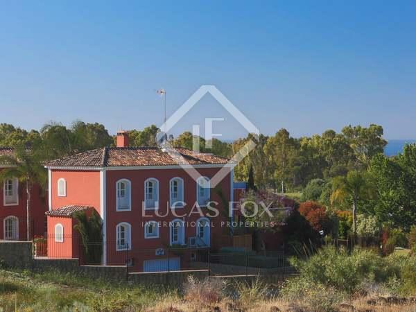 Espectacular casa familiar de 5 dormitorios en Benahavis