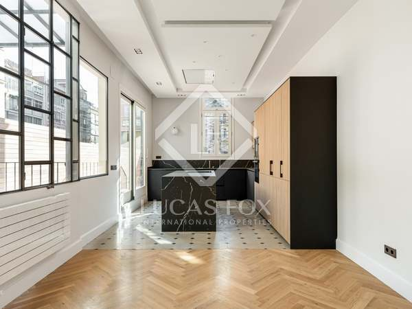170m² Apartment with 75m² terrace for sale in Eixample Left