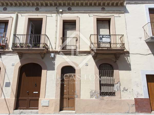 Old town house to renovate for sale Vilanova i La Geltrú
