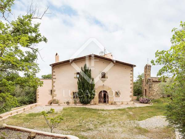 Girona country property to buy near the town of Banyoles