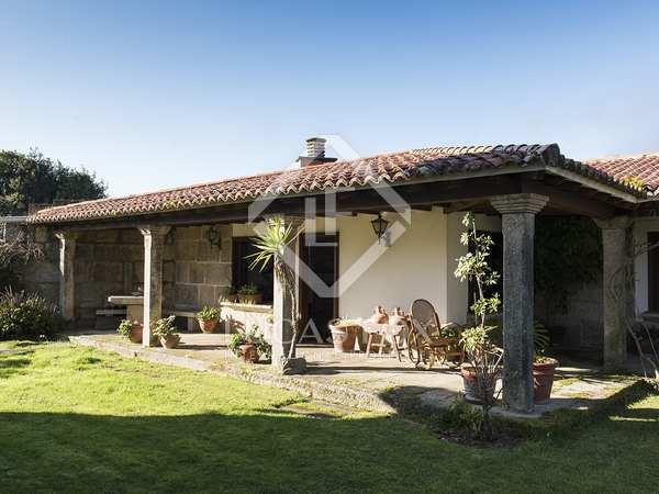 Huis / Villa van 906m² te koop in Pontevedra, Galicia