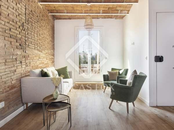 60m² Takvåning med 70m² terrass till uthyrning i Gràcia