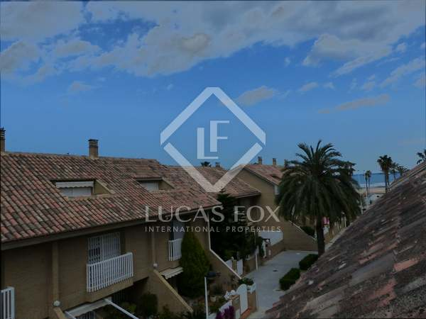 263m² house with 70m² terrace for sale in Patacona