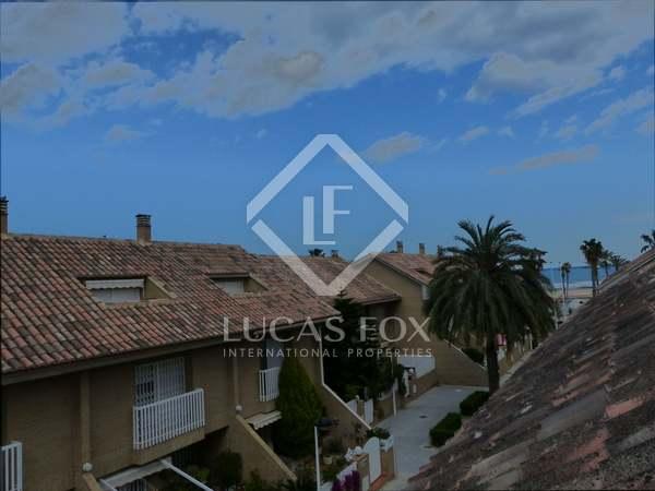 Casa adosada en venta en la playa de la Patacona