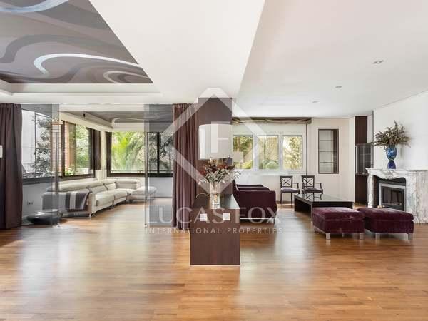 appartement van 257m² te koop met 8m² terras in Tres Torres