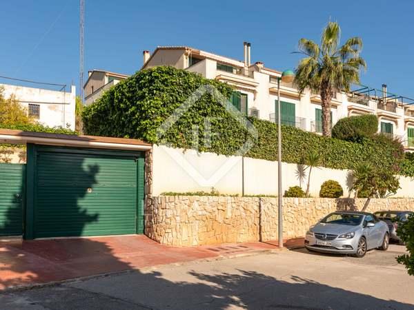 Huis / Villa van 190m² te koop met 46m² Tuin in Vallpineda