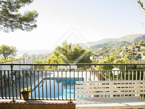 Huis / Villa van 428m² te koop met 60m² terras in Barcelona zuid kust