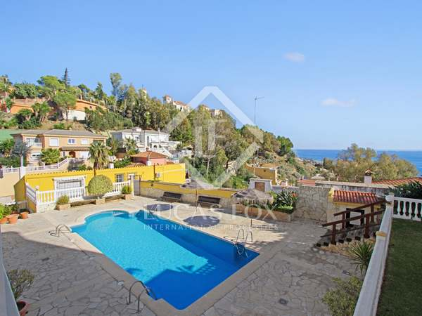 208m² House / Villa with 60m² terrace for sale in East Málaga