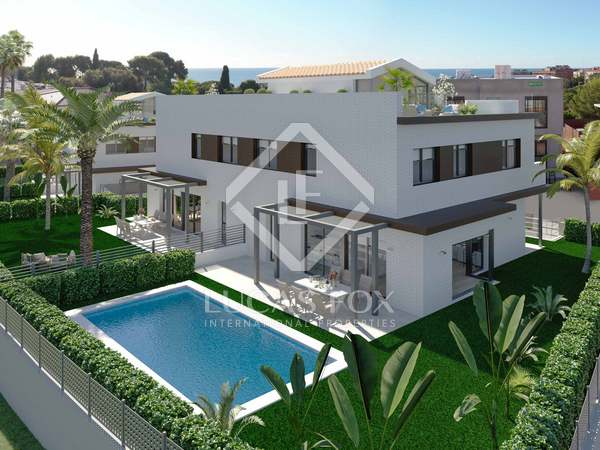 Huis / Villa van 283m² te koop in Montgat, Barcelona