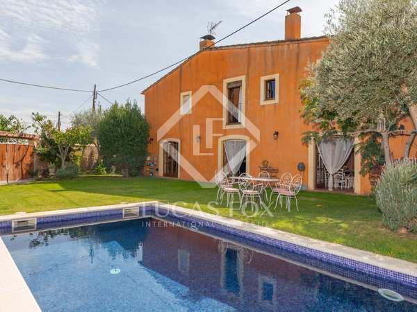 landhuis van 390m² te koop met 300m² Tuin in Baix Emporda