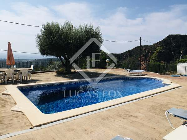 333m² House / Villa for sale in Montemar, Barcelona