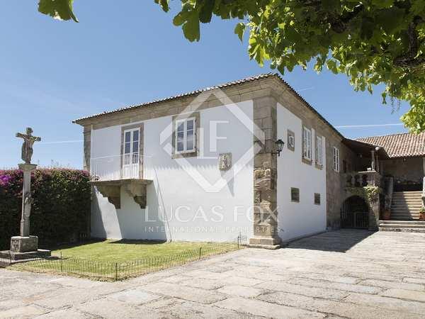 Villa de 1,235 m² en venta en Pontevedra, Galicia