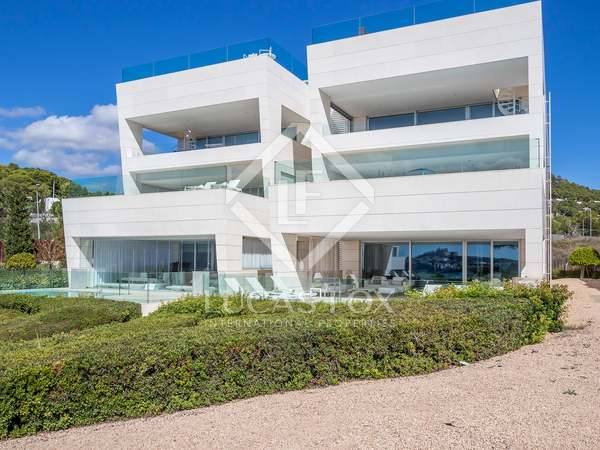 350 m² apartment with 90 m² terrace for sale in Ibiza Town
