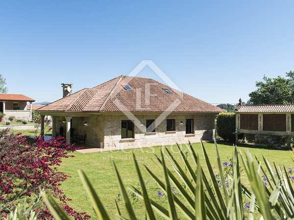 Huis / Villa van 400m² te koop in Pontevedra, Galicia