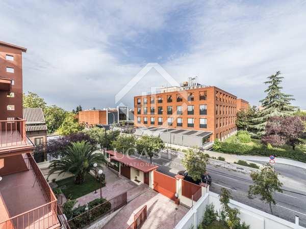 150 m² apartment with 10 m² terrace for sale in Arturo Soria