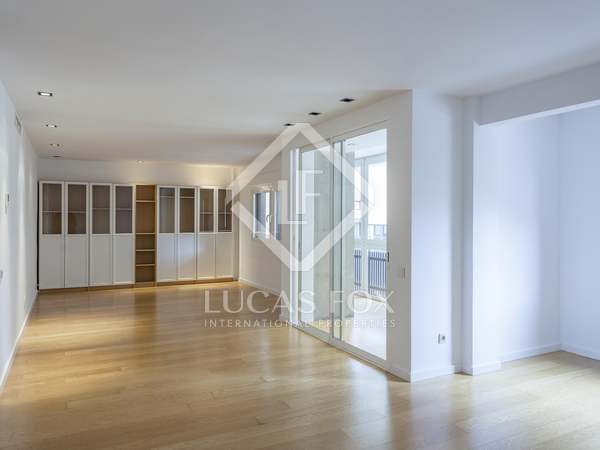 171m² Apartment with 16m² terrace for rent in Sant Francesc