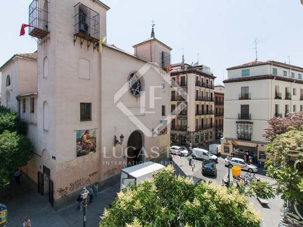 150m² Apartment for sale in Malasaña, Madrid