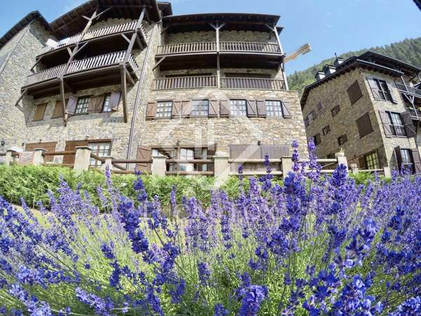 Apartment with a terrace for sale in Grandvalira Ski area