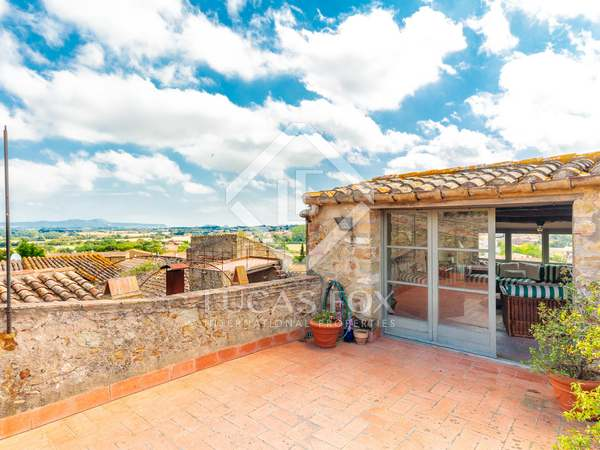 180m² Country house with 20m² terrace for sale in Baix Empordà