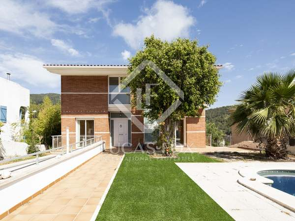 360 m² house for sale in Quint Mar, Sitges