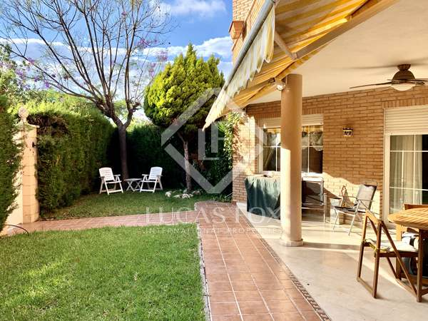 320m² House / Villa with 110m² garden for sale in golf