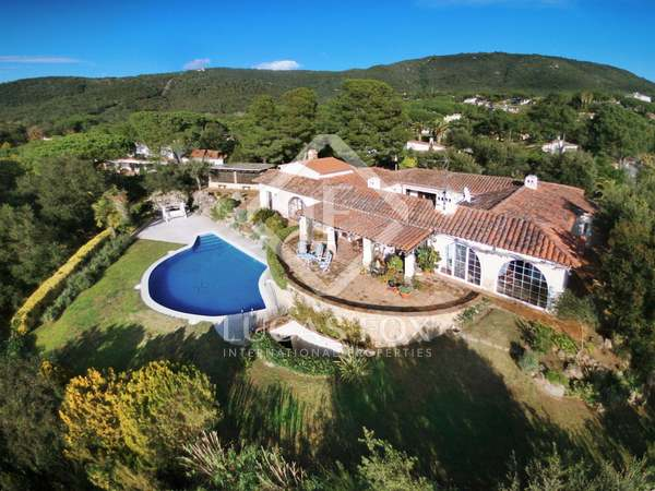 338m² House / Villa with 1,670m² garden for sale in Platja d'Aro