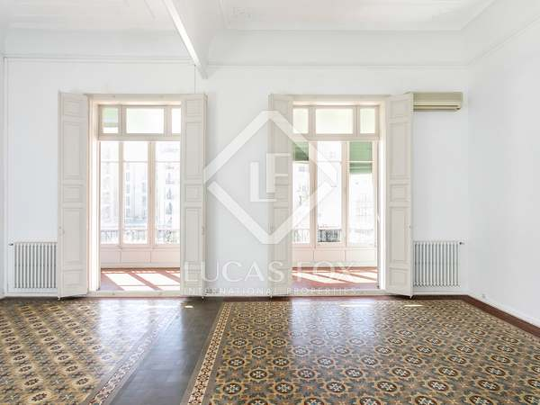 180 m² apartment for rent in Eixample Right, Barcelona