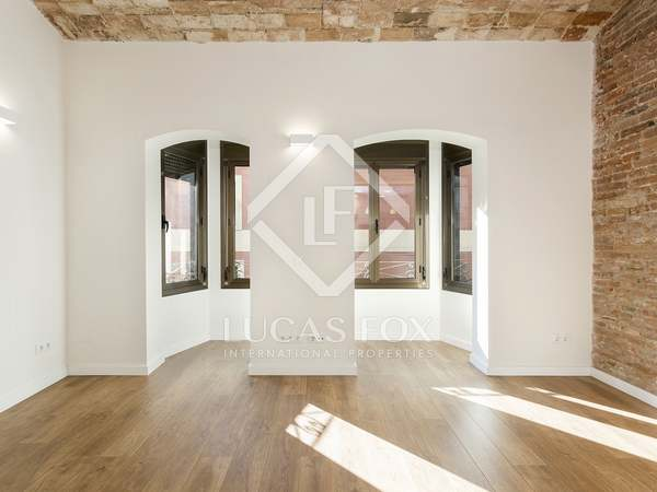 62m² Apartment for sale in Sant Antoni, Barcelona