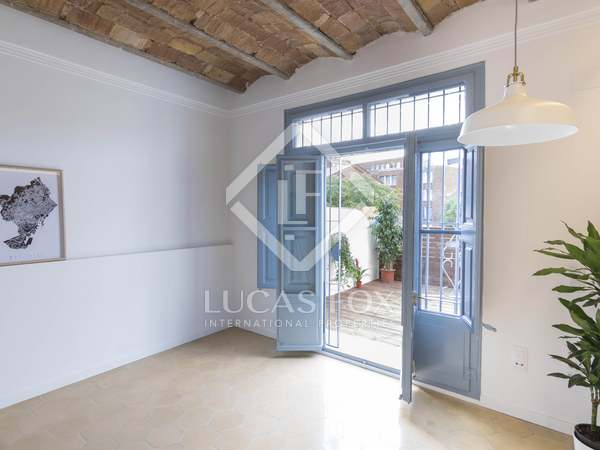 Apartamento de 93m² con terraza de 14m² en venta en El Raval