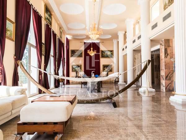 Casa / Villa di 1,200m² con giardino di 1,536m² in vendita a El Bosque / Chiva