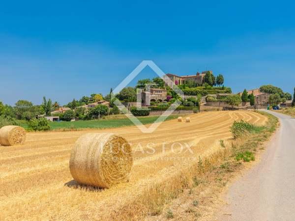 300m² House / Villa for sale in Baix Empordà, Girona