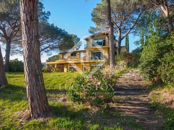 9-bedroom property to renovate in Sant Andreu de Llavaneres