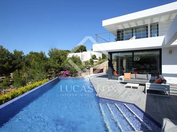 Huis / Villa van 430m² te koop in Dénia, Costa Blanca