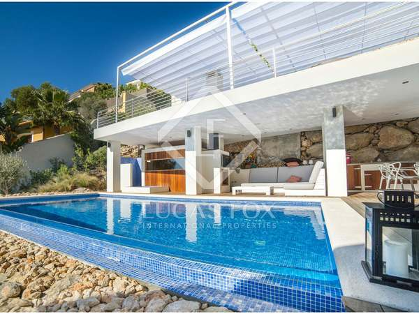 Moderna casa en venta a 5 minutos en coche del centro de Sitges