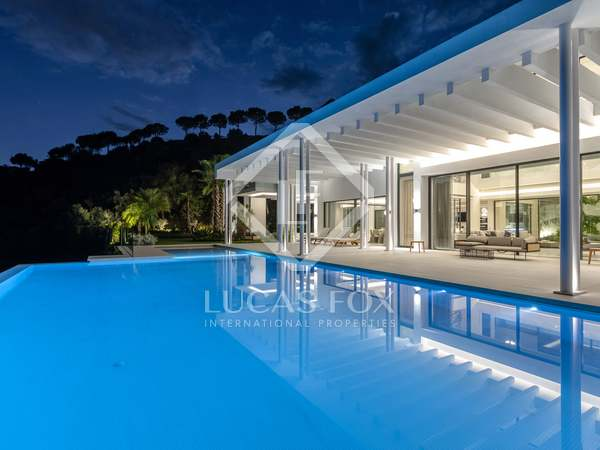 1,991m² Luxury Property with 385m² terrace for sale in Benahavís