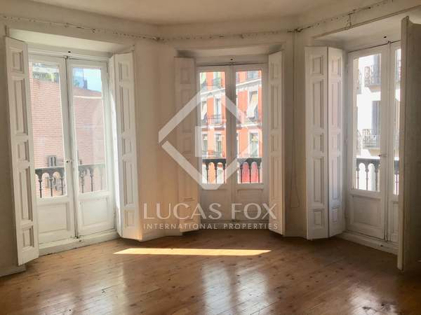 135 m² apartment for sale in Justicia, Madrid