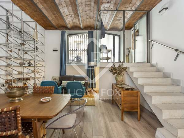 120m² Apartment with 32m² terrace for rent in Eixample Left