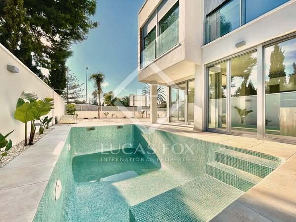 270m² House / Villa with 450m² garden for sale in Playa San Juan