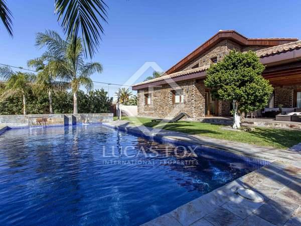 Huis / Villa van 591m² te koop in La Eliana, Valencia