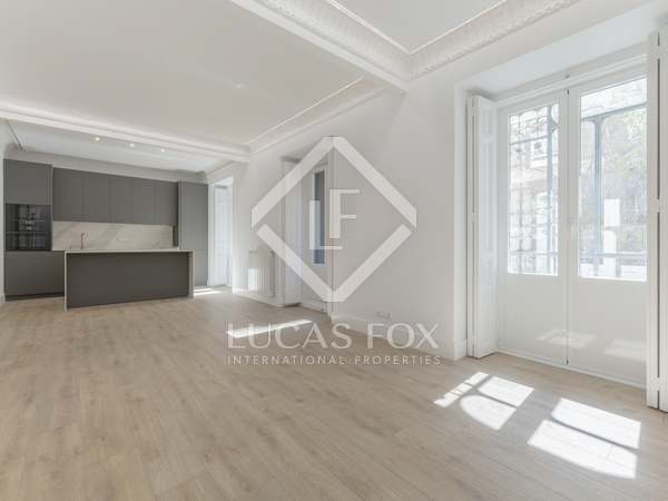 162m² Apartment for sale in Goya, Madrid