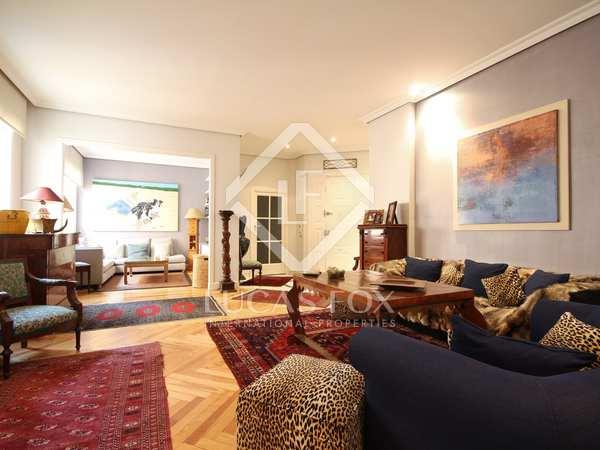 Piso de 230 m² en venta en Almagro, Madrid