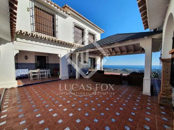 Huis / Villa van 723m² te koop in East Málaga, Malaga