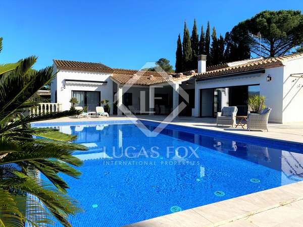 430m² House / Villa for sale in Santa Cristina, Costa Brava