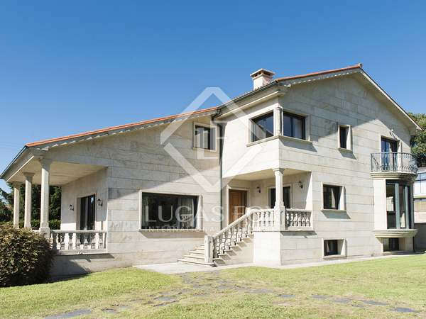 Casa / Villa di 359m² in vendita a Pontevedra, Galicia