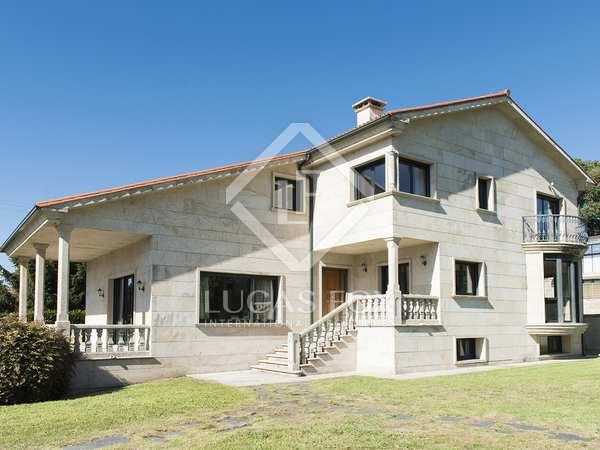 359m² House / Villa for sale in Pontevedra, Galicia